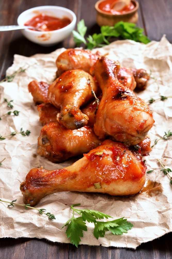BBQ-chicken-drumsticks-paper