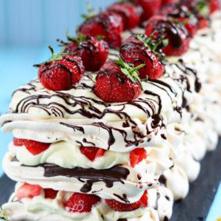 Strawberry-and-Chocolate-Meringue1
