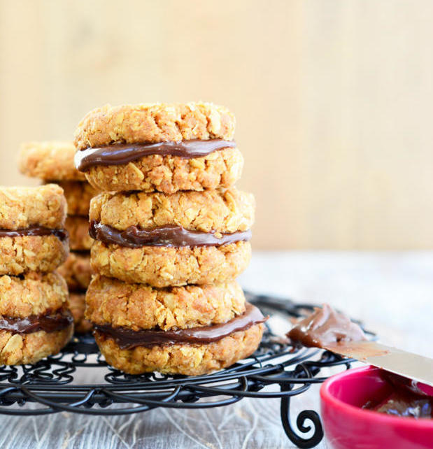 Chocolate Oat Cookies1 e1599499899890