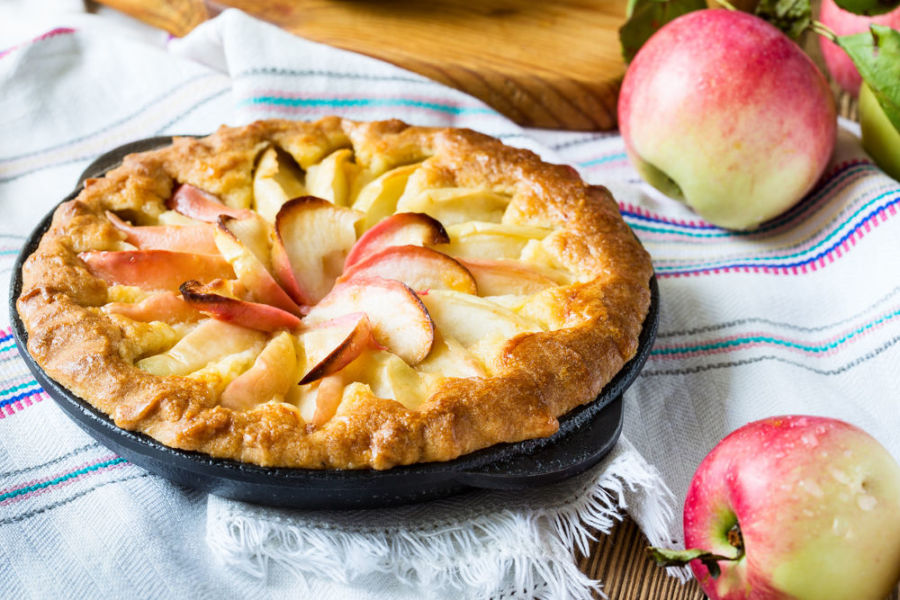 Classic German apple pie