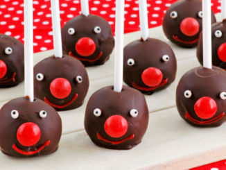 Red-Nose-Day-cake-pops-1
