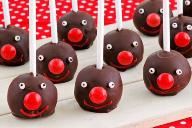 Red Nose Day cake pops 1