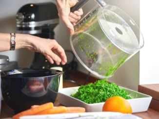 cleaning-food-processor